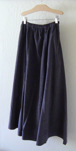Modest skirt with pockets in Graphite Corduroy